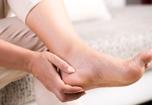 Lian He Zao Bao – Foot issues faced by the young and old, Dr Kannan